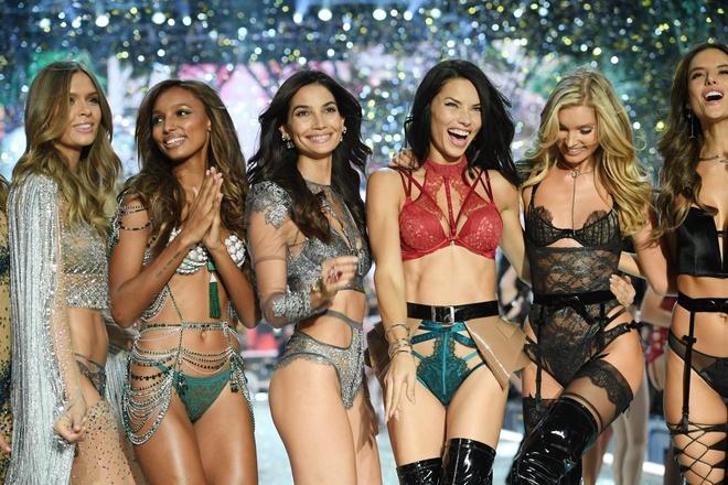 Diem lai nhung thang tram cua Victoria's Secret hinh anh 41