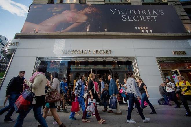 Diem lai nhung thang tram cua Victoria's Secret hinh anh 9