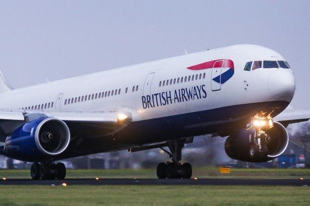 British Airways gặp sự cố máy tính, 400 chuyến bay bị hoãn, hủy