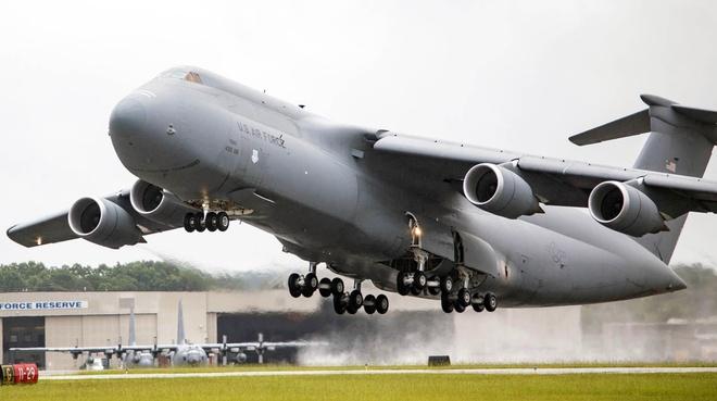 Antonov An-225, B-52 va nhung chiec may bay lon nhat the gioi hinh anh 13