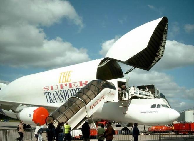 Antonov An-225, B-52 va nhung chiec may bay lon nhat the gioi hinh anh 24