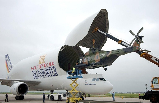 Antonov An-225, B-52 va nhung chiec may bay lon nhat the gioi hinh anh 25