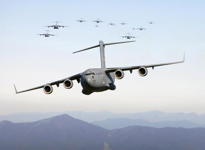 Antonov An-225, B-52 va nhung chiec may bay lon nhat the gioi hinh anh 27