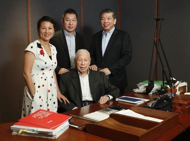 Dù đã 101 tuổi, tỷ phú Singapore vẫn ham làm giàu