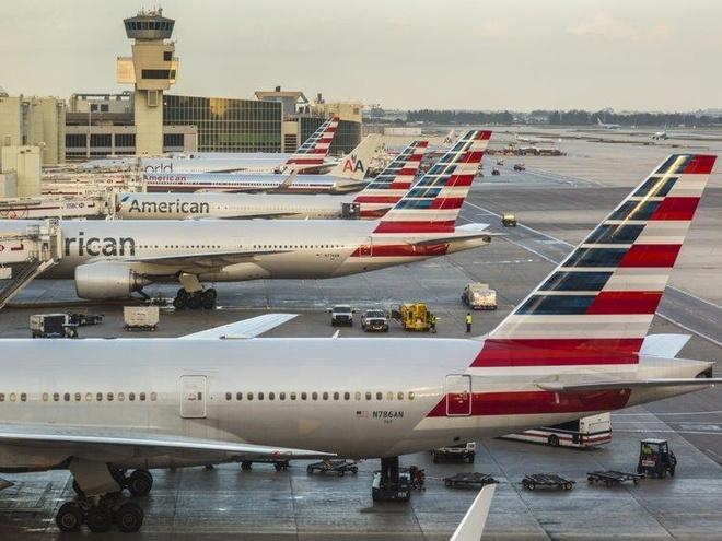 tho may pha hoai may bay tai American Airlines anh 1