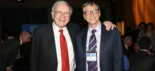 Warren Buffett tung thuyet phuc Bill Gates mua nhan cuoi 370 trieu USD hinh anh 1
