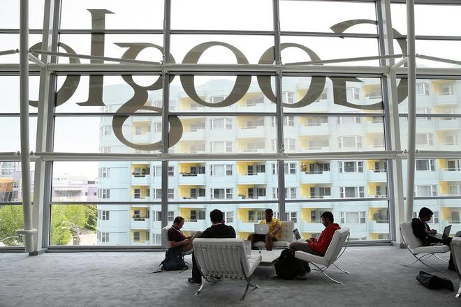 Facebook va Google truot top 10 cong ty ly tuong de lam viec tai My hinh anh 1 51cdefcb6bb3f71d54000001.jpg