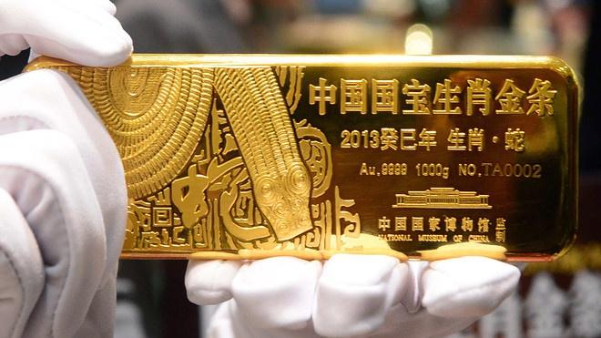 Trung Quốc - 1.948,3 tấn: Trung Quốc là nước sản xuất vàng lớn nhất thế giới, chiếm 12% tổng sản lượng khai thác vàng toàn cầu. Hiện nước này đang có trong kho khoảng 1.948,3 tấn vàng, tương đương vỏn vẹn 3,4% dự trữ ngoại hối. Ảnh: Market Watch.