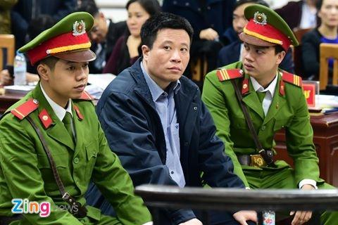 Ha Van Tham: 'Phong toa nghiem tuc thi 500 ty khong the rut ra' hinh anh 1