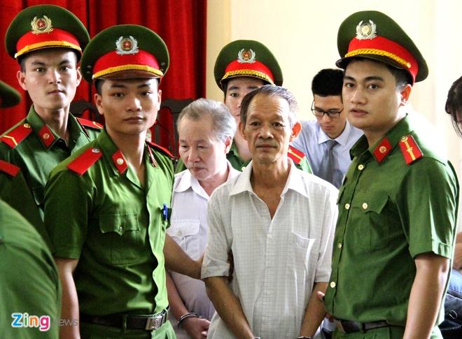 Vu sai pham dat o Dong Tam: Cuu chu tich xa linh 18 thang tu treo hinh anh 1