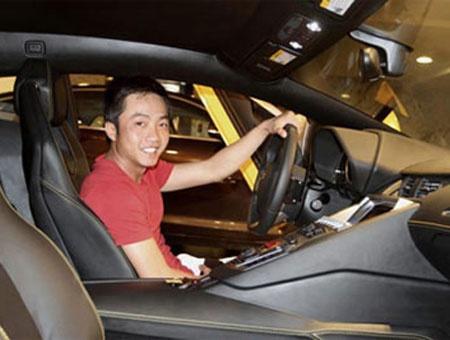 Với Nguyễn Quốc Cường, Rolls Royce chỉ là một trong những chiếc ô tô tiền tỷ nằm trong bộ sưu tập.