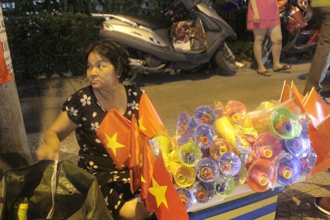 tieu thuong voi thu don co,  ken sau tran hoa Thai Lan anh 1