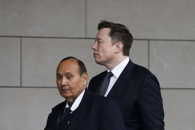 So huu 20 ty USD nhung Elon Musk rat thieu tien mat hinh anh 1