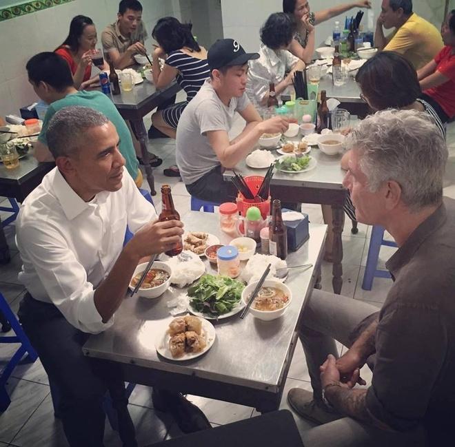 Obama an pho va com thuan Viet anh 2