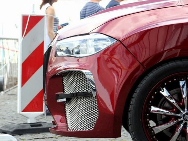 BMW X6 xau nhat the gioi gia 100.000 USD hinh anh 3