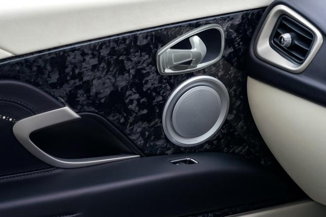Aston Martin DB11 manh 600 ma luc trinh lang hinh anh 10