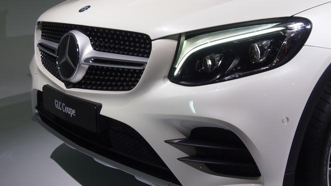 Mercedes-Benz ra mat GLC Coupe dau BMW X4 hinh anh 2
