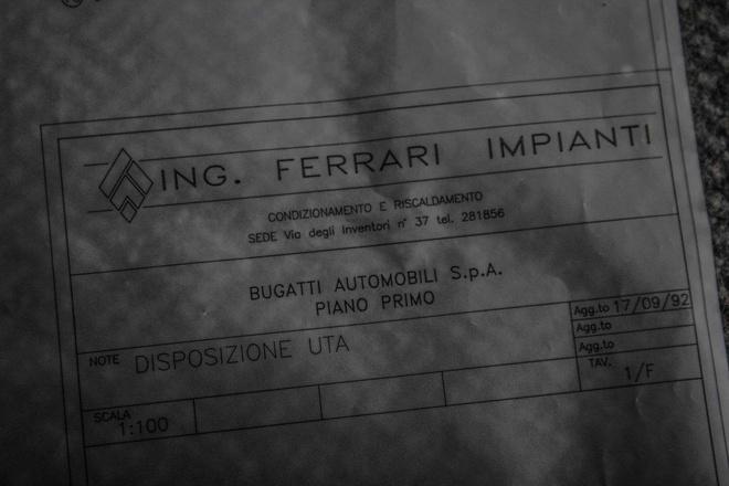 Can canh nha may Bugatti bo hoang hinh anh 2