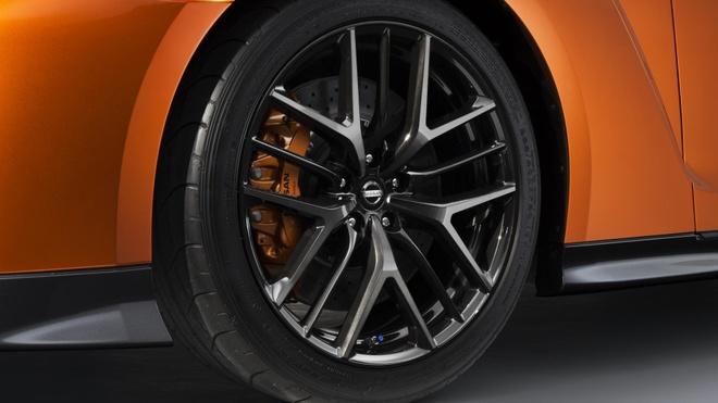 10 dieu can biet ve sieu xe Nissan GT-R moi hinh anh 3