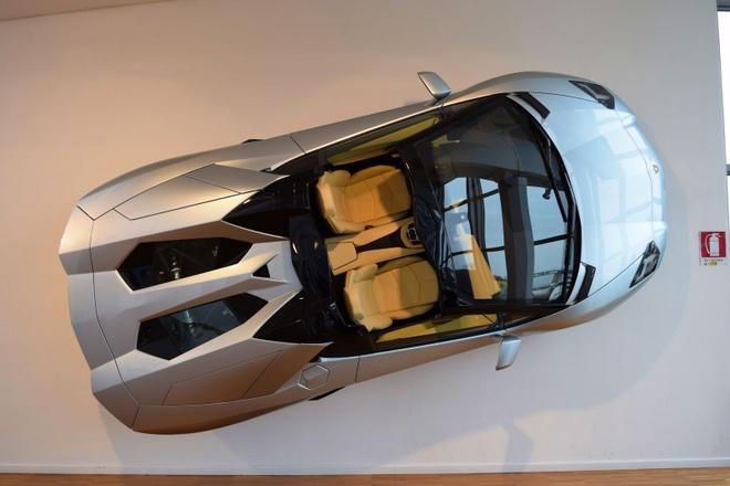 Dan xe ben trong bao tang Lamborghini hinh anh 3