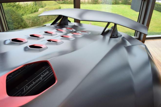 Dan xe ben trong bao tang Lamborghini hinh anh 8