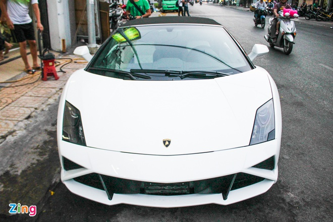 Lamborghini Gallardo mui tran dau tien tai Viet Nam hinh anh 1
