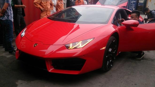 Chi tiet Lamborghini Huracan chinh hang thu 3 tai VN hinh anh