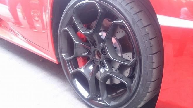 Chi tiet Lamborghini Huracan chinh hang thu 3 tai VN hinh anh 7