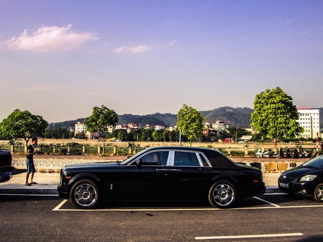 Rolls-Royce ban o cho xe cu ve tay dai gia Lao Cai hinh anh 1