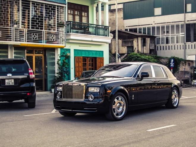 Rolls-Royce ban o cho xe cu ve tay dai gia Lao Cai hinh anh 2