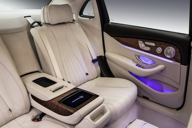 Mercedees Benz E Class truc co so dai anh 10