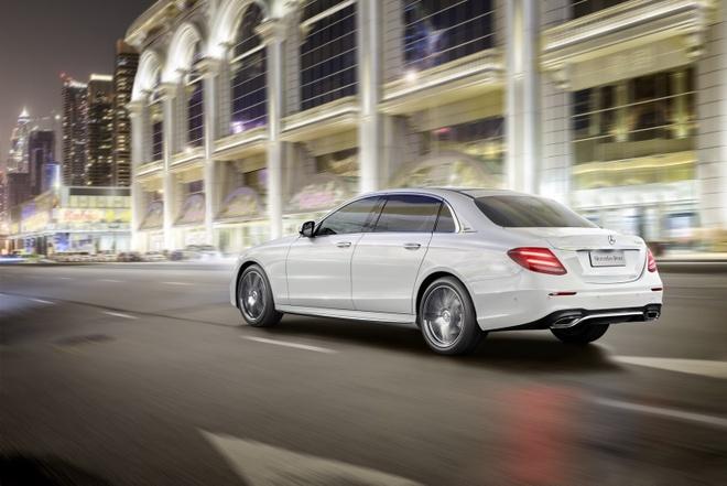 Mercedes ra mat E-Class LWB nhu Maybach mini hinh anh 2