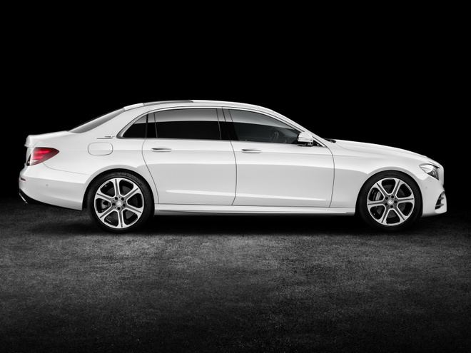 Mercedees Benz E Class truc co so dai anh 5