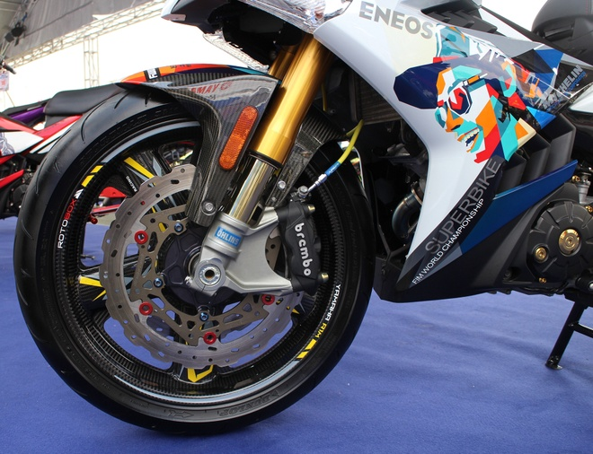 Exciter phong cach Valentino Rossi vo dich cuoc thi xe do hinh anh 4