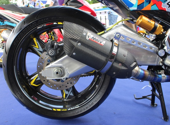 Exciter phong cach Valentino Rossi vo dich cuoc thi xe do hinh anh 5