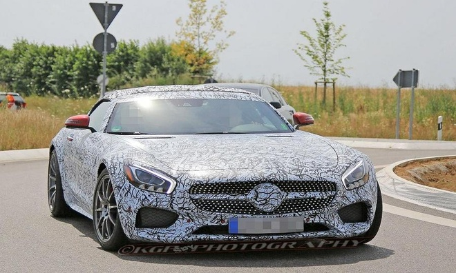 Mercedes-AMG GT C Roadster xuat hien tren duong chay thu hinh anh 1