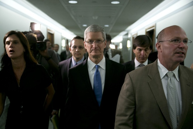 5 nam Tim Cook lam CEO Apple: Co don va cay dang hinh anh 1