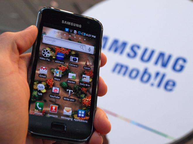 Man hinh cong khien Apple, Samsung khong the bo nhau hinh anh 2