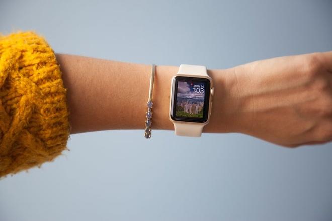 Apple cua Tim Cook: Gioi kinh doanh, thieu san pham dot pha hinh anh 2