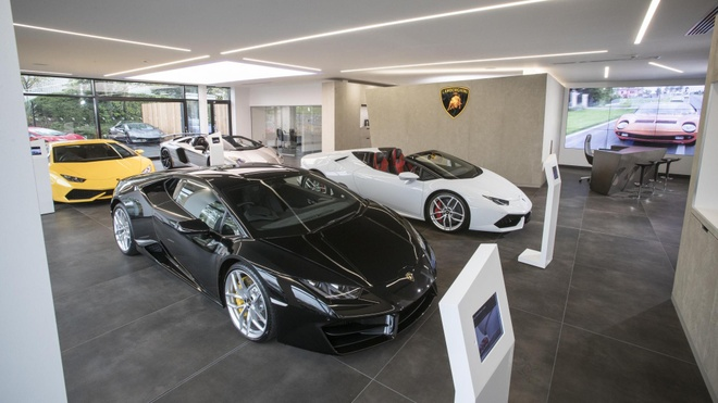 Lamborghini phai thay doi showroom vi ra mat SUV hinh anh 1