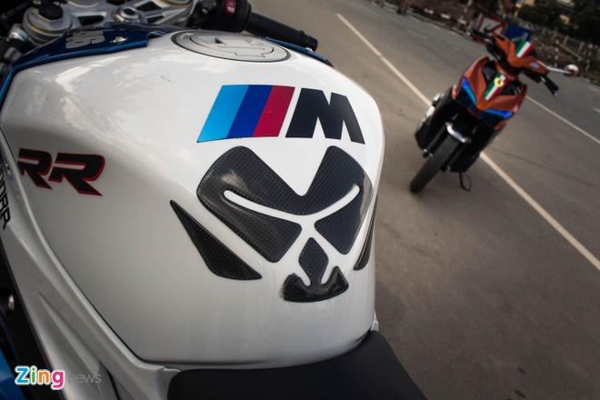 Sieu mo to BMW S1000RR len tem M Series tai Sai Gon hinh anh 10