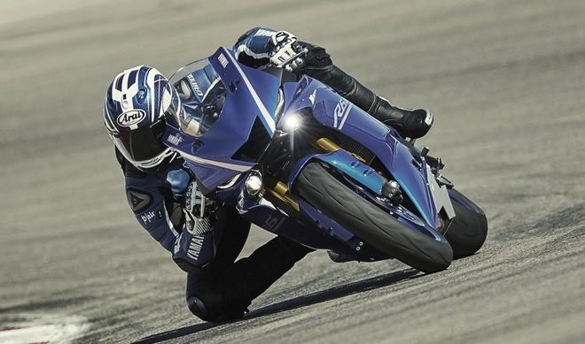 Yamaha R6 ra mat anh 13