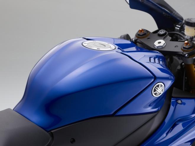 Yamaha R6 ra mat anh 7