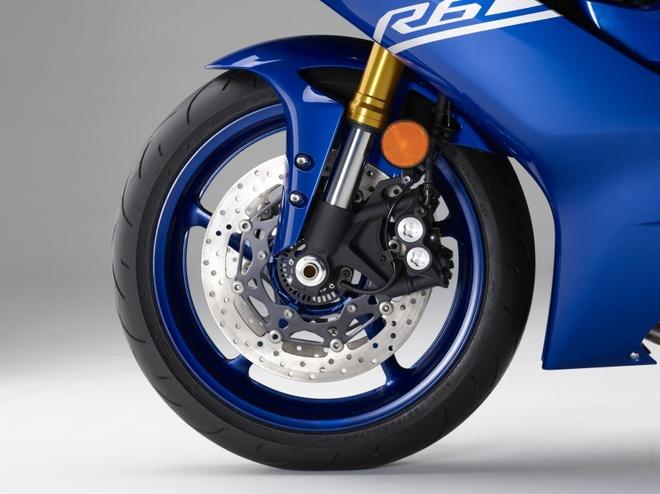 Yamaha R6 ra mat anh 9