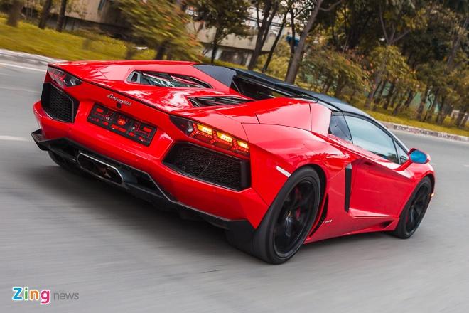 Loat sieu xe Lamborghini cua dai gia Viet dao pho hinh anh 1