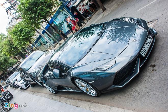 Loat sieu xe Lamborghini cua dai gia Viet dao pho hinh anh 8
