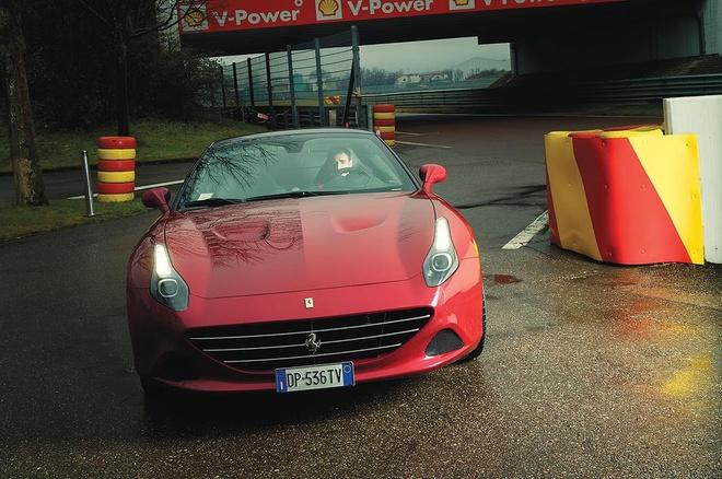 Ai quyet dinh su ngo nguoc cua sieu xe Ferrari? hinh anh 3