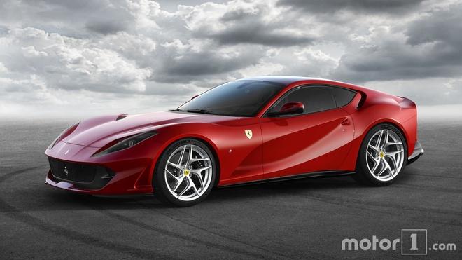 Ferrari 812 Superfast anh 8