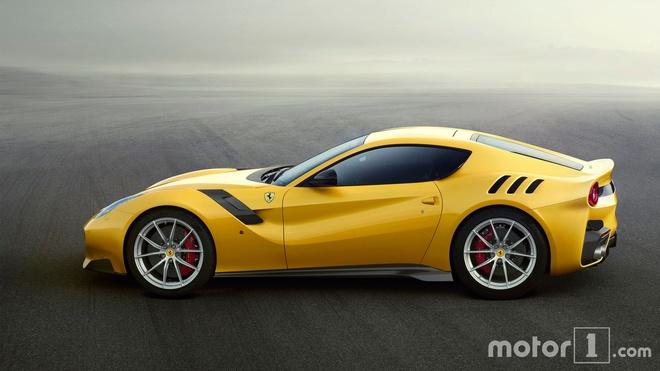 So sanh nhanh Ferrari 812 Superfast va F12tdf hinh anh 7