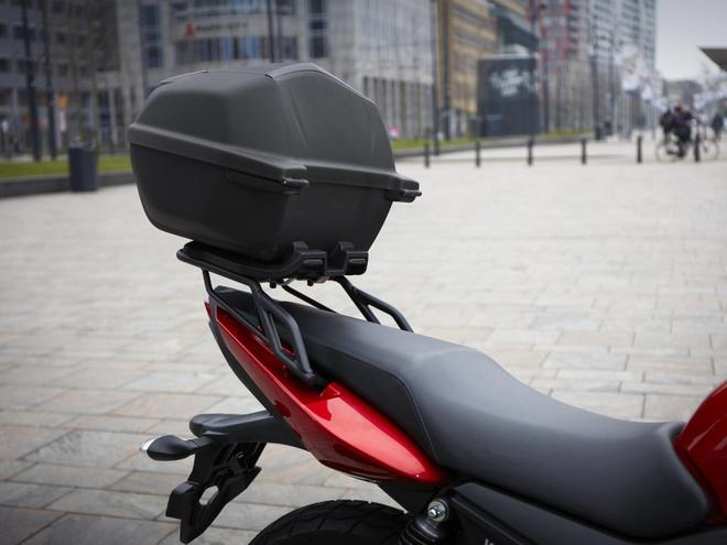 Yamaha YS125 - nakedbike cho nguoi moi choi hinh anh 12